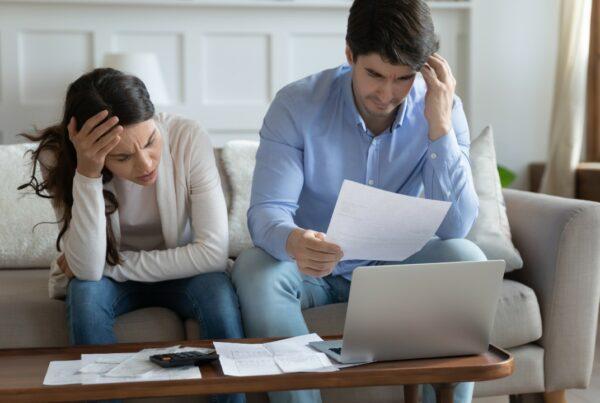 Los problemas con la economía del hogar podrían contribuir a una mala salud
