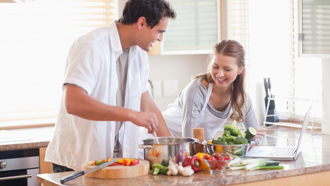 En cuestión de alimentos, es mejor precaver: 8 consejos para ganar en salud