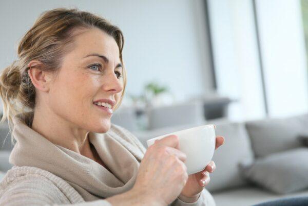 Sube la expectativa de vida en mujeres mayores de 50 años