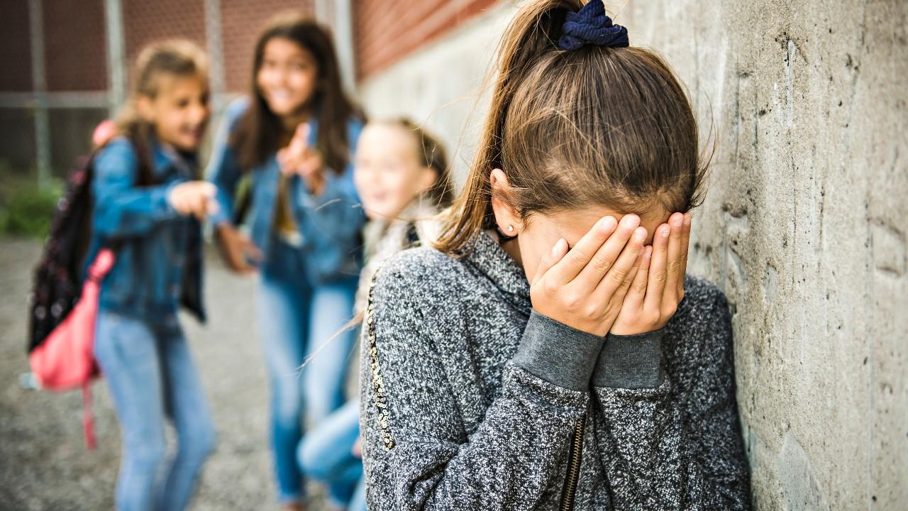 El acoso escolar y el sexo sin protección ¿cuál es la relación?