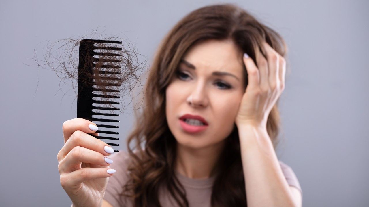 La verdad acerca de los remedios caseros para la caída del cabello