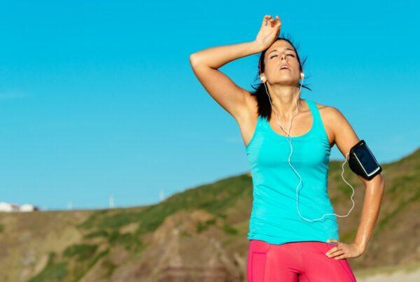 7 formas en que el ejercicio excesivo puede perjudicarte