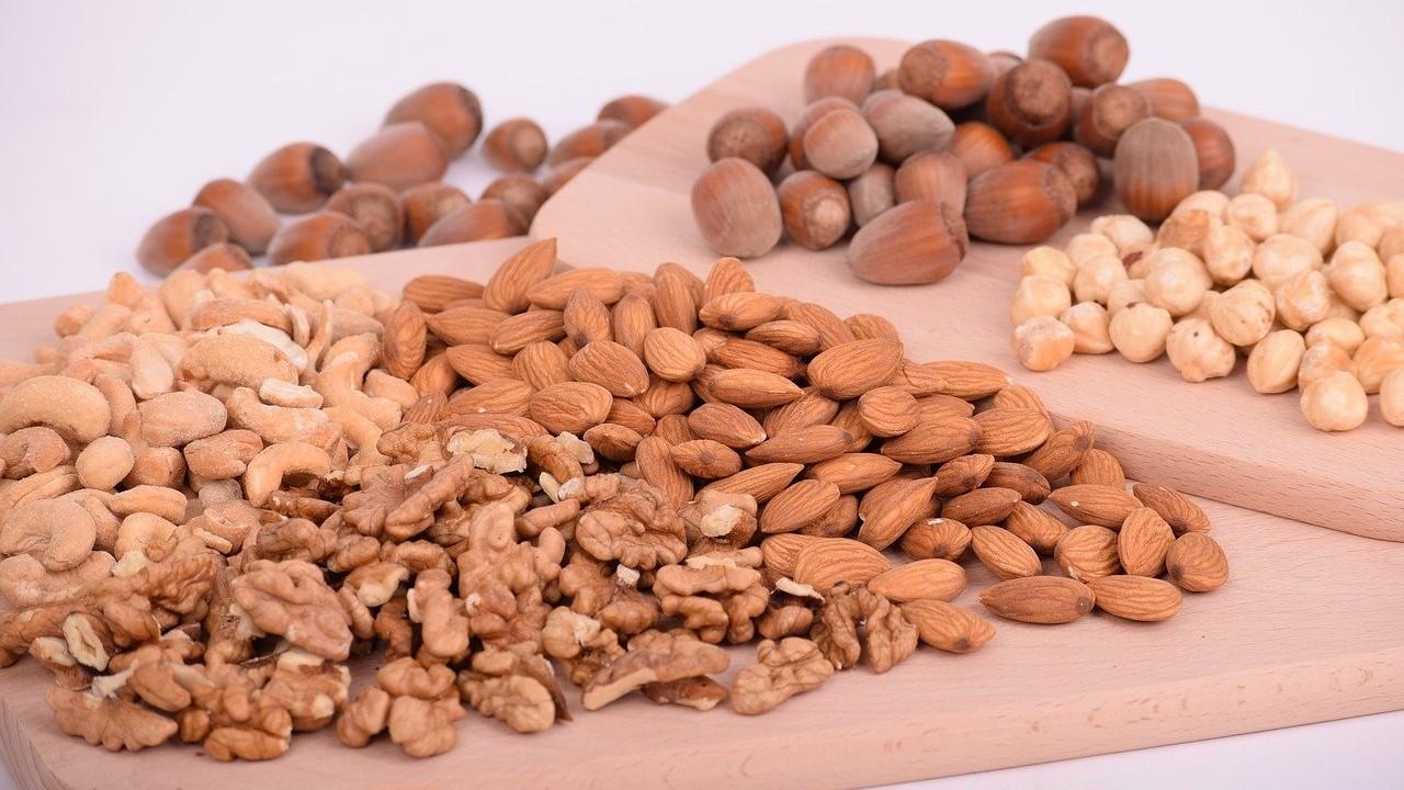 Comer nueces a diario reduce el colesterol y ayuda a tu corazón