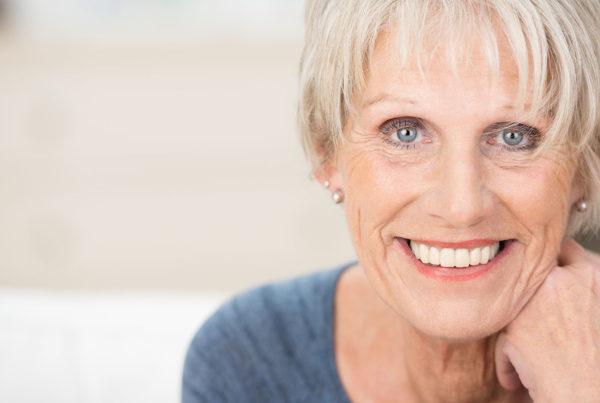 Mujer-madura-sonriendo