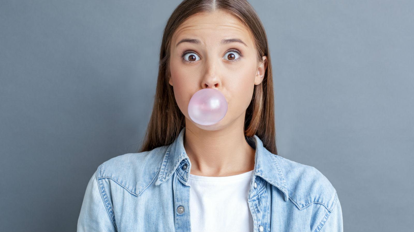 El chicle: sus beneficios para la salud dental