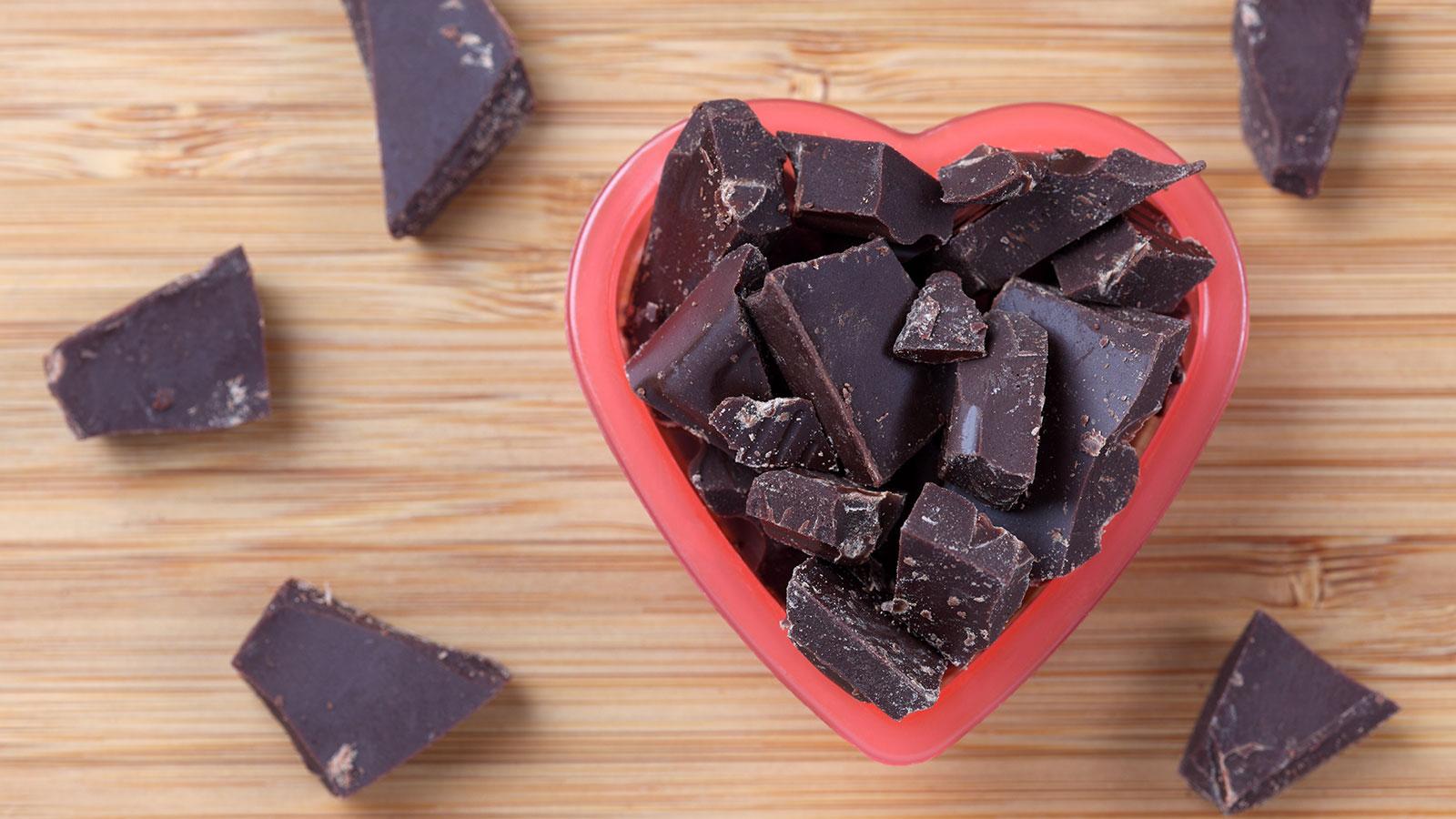 El chocolate oscuro y sus beneficios para el corazón