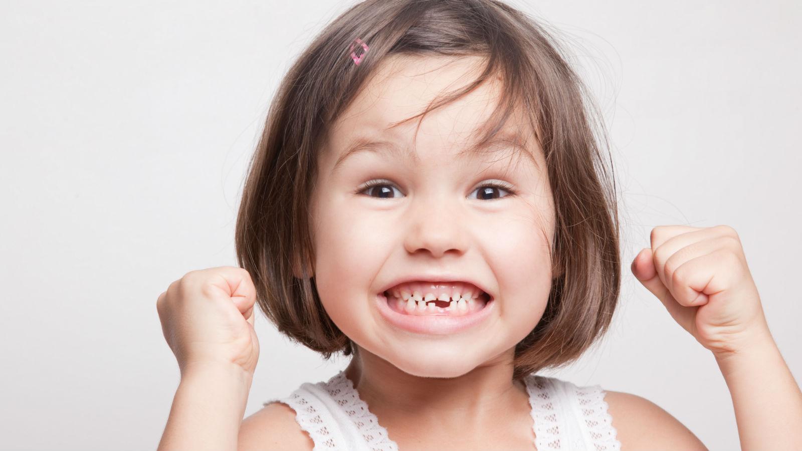 El cambio de dientes en los niños – lo que debes explicarles