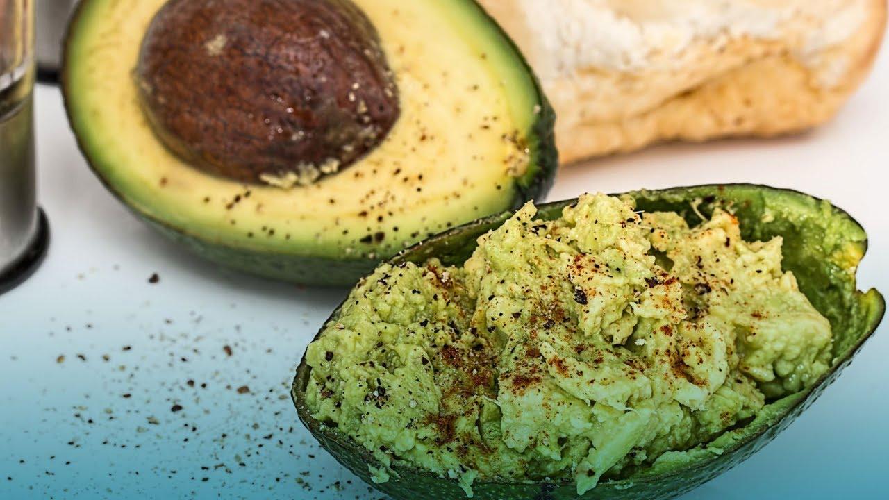 Cómo bajar el colesterol malo comiendo aguacates