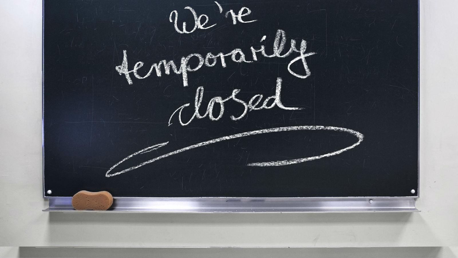 Cierran restaurantes, bares y escuelas