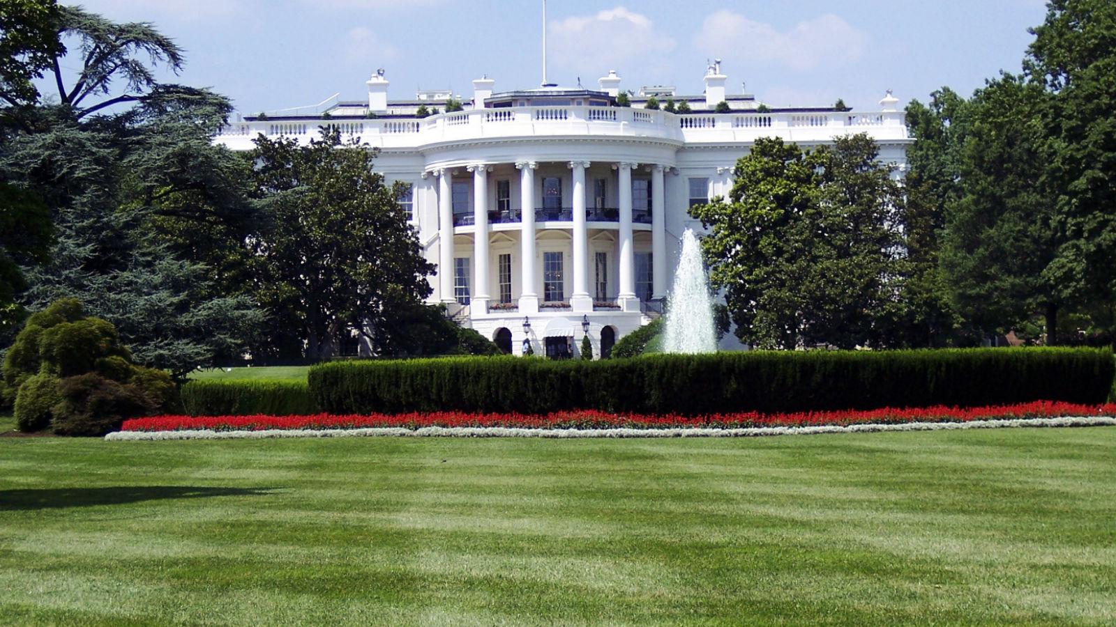 Trump propone paquete de estímulo