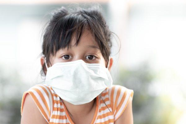 Más niños infectados por Covid-19