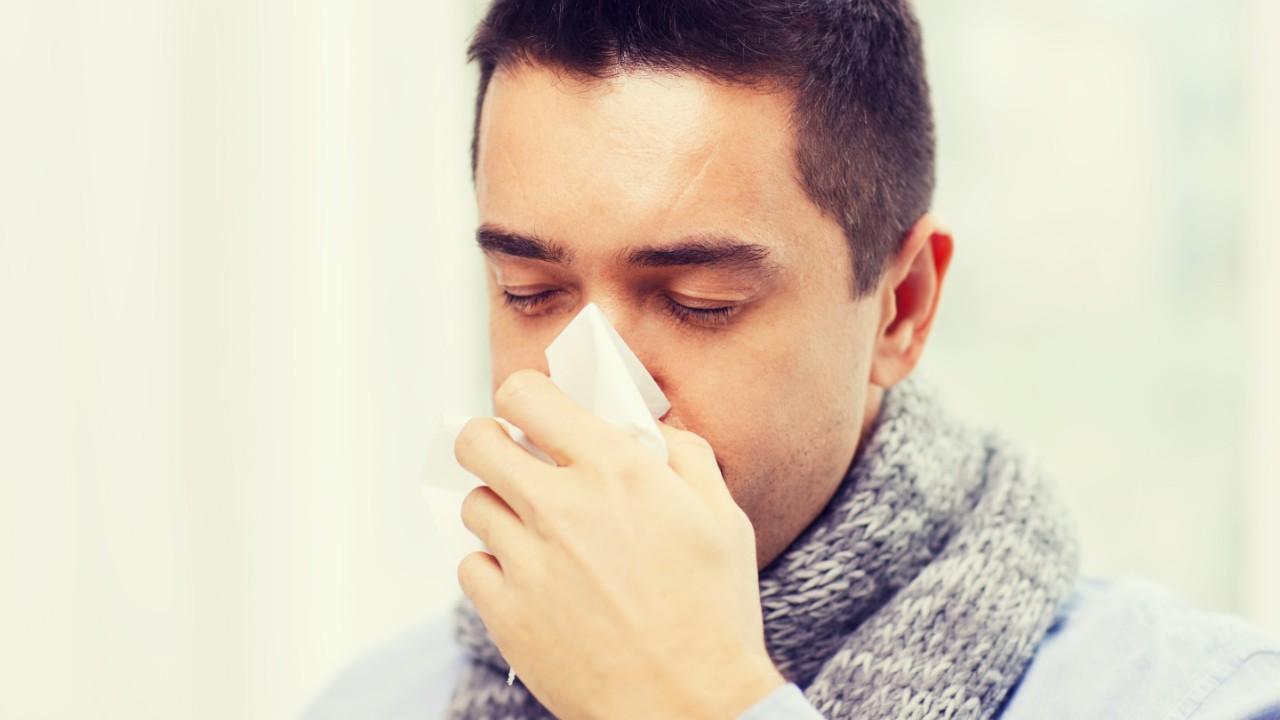 Cómo diferenciar el COVID-19 de la Gripe (Influenza)