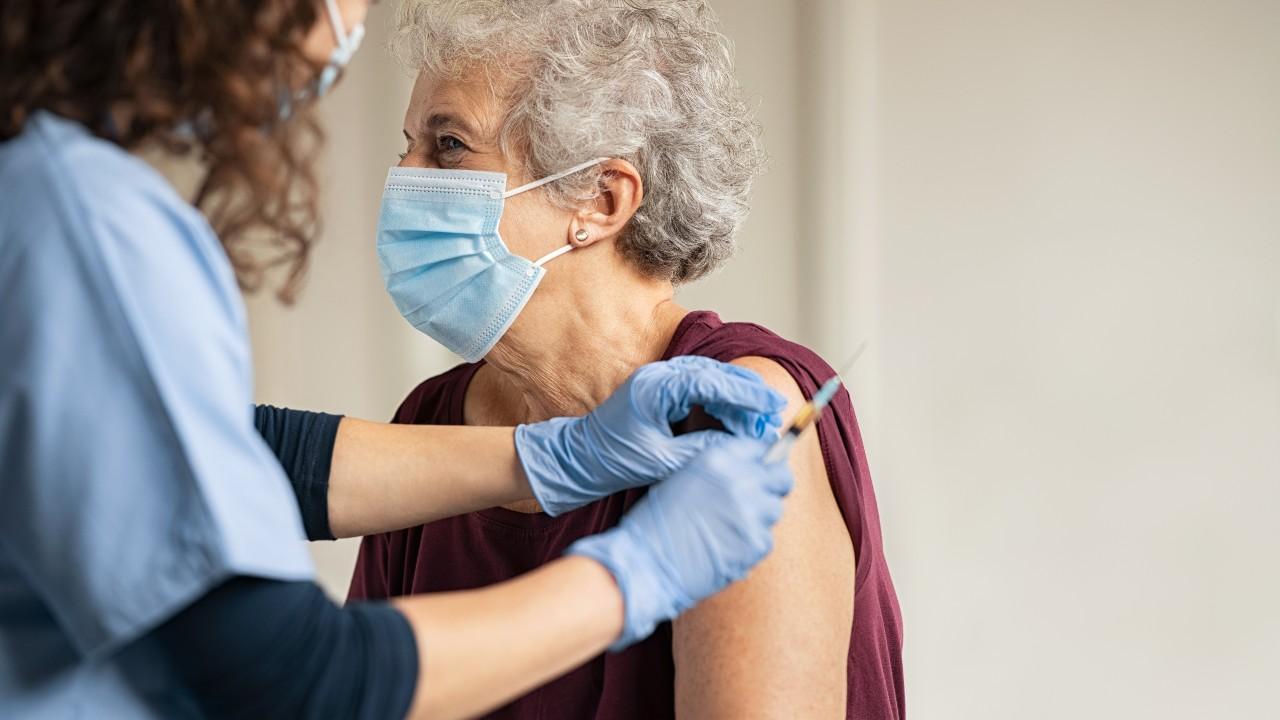 Diez Mitos y Realidades acerca de las Vacunas contra el COVID-19