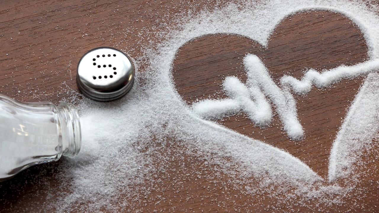 La importancia para la salud de reducir el consumo de sal