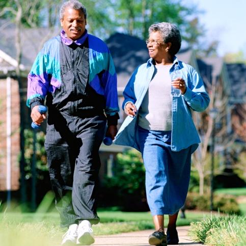 Caminar dos millas al día ayuda con la EPOC