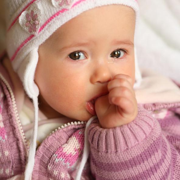 Darles antibióticos a los bebes puede causarles obesidad en un futuro