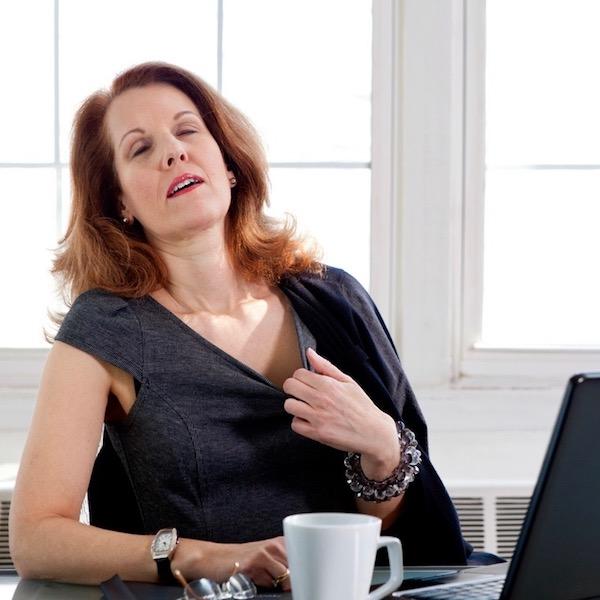 ¿Alivian las tabletas de soya (soja) las molestias de la menopausia?