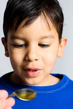Enséñales a los niños cómo deben tomar las medicinas