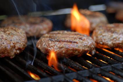 Consejos para reducir el riesgo de desarrollar cáncer al cocinar carnes a la parrilla