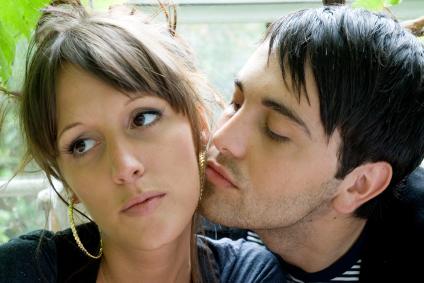 ¿Es posible contraer hepatitis C por contacto sexual?