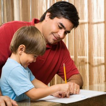 Los papás que se involucran con los hijos ayudan a mantener un matrimonio fuerte