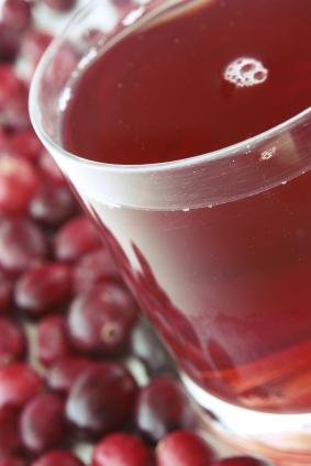 El jugo de arándano rojo: una bebida capaz de prevenir úlceras e infecciones urinarias