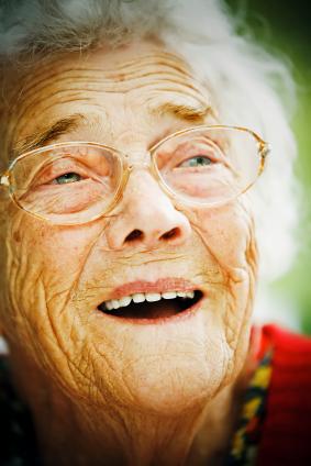 ¿Por qué algunas personas viven 100 años? ¿Qué tienen ellas que no tienes tú?