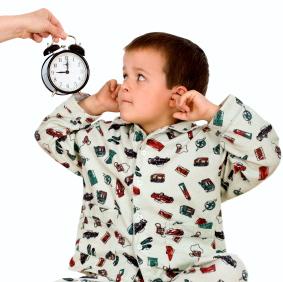 Una hora fija para ir a dormir beneficia el cerebro de los niños