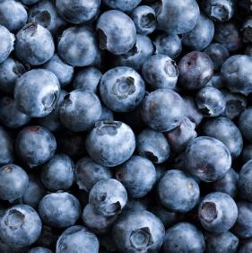 El consumo de arándanos y fresas podría reducir el riesgo de ataque cardíaco