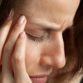 La migraña es común entre las mujeres en edad reproductiva