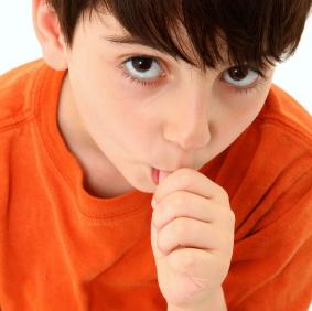 Chuparse el dedo puede perjudicar la dentadura de tu hijo