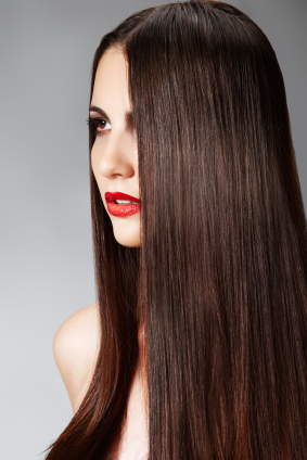 En busca de un cabello lacio y perfecto… puedes arriesgar tu salud