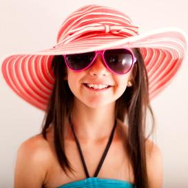 Cuida tus ojos y los de tus hijos si van a exponerse al sol