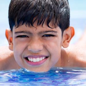 8 formas de prevenir el contagio y la contaminación en piscinas públicas