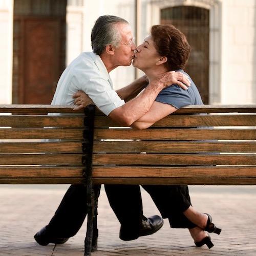 Cómo mantener la intimidad al avanzar en edad
