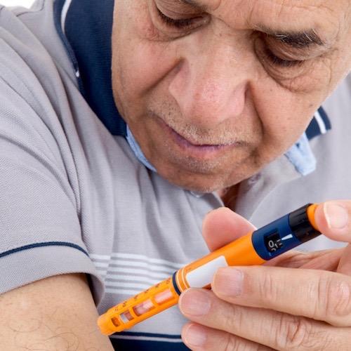 ¡Dile adiós a la jeringa! Opta por una pluma de insulina