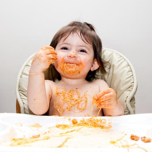 ¿Alimentos sólidos? Espera a que tu bebé esté listo(a)