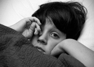 Rodilla en la dolor de de la detrás pantorrilla lágrima